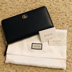 Brand new! 100% Authentic Gucci Wallet